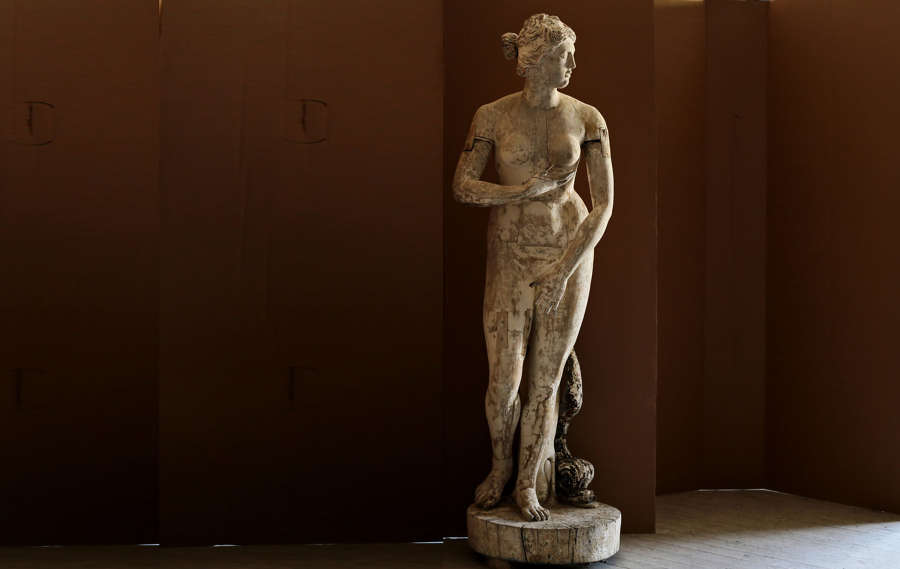 Statues & Busts & Sculptures